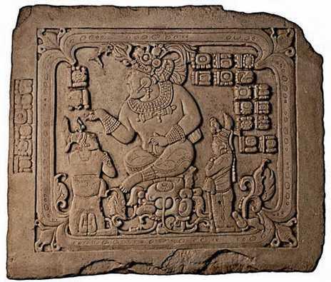 На этом недавно обнаруженном шедевре правитель Канкуэна Тай Чан Ахк совершает ритуальный обряд. Дело было в сентябре 795 года. Стелам и фрескам повезло больше, чем рукописям. Переплеты из шкур ягуара не спасли древние манускрипты от костров инквизиции. До нас дошло лишь несколько «книг».
