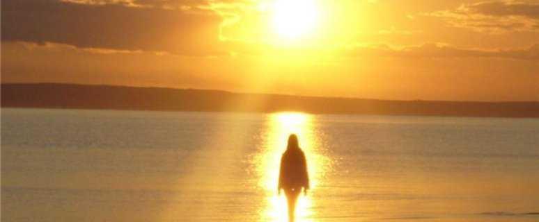 девушка на восходе