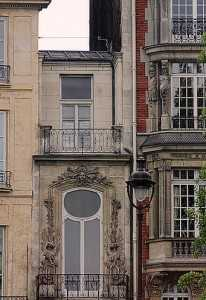 paris-house1-206x300
