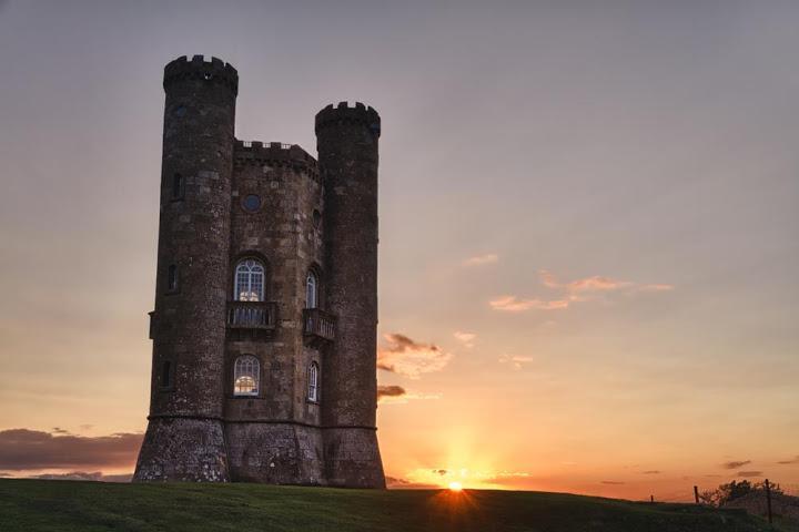 Что за древние башни показывают туристам 9