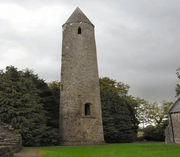 Что за древние башни показывают туристам 6
