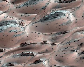 На Марсе водятся всякие странности и возможно даже призраки? 4